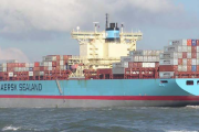 Computation of perspective KRISO containership towing tests with the help of the complex of hydrodynamical analysis in FlowVision